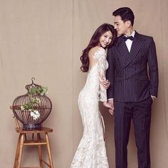 Is it Worth Opting for Professional Wedding Photography? Pre Wedding Poses, Pre Wedding Photoshoot, Wedding Pics, Wedding Bride, Wedding Styles, Wedding Gowns, Korean Wedding Photography, Wedding Photography Poses, Wedding Photo Inspiration