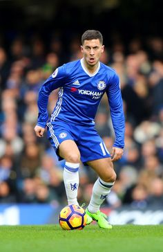 Eden Hazard of Chelsea in action during the Premier League match between Chelsea and Arsenal at Stamford Bridge on February 4, 2017 in London, England.