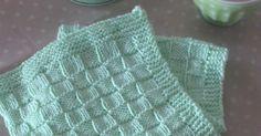 Denne opskrift har jeg fået for mange år siden af min nu gamle mormor på 85 år, som stadig elsker at strikke efter denne opskrift. Slå 9...