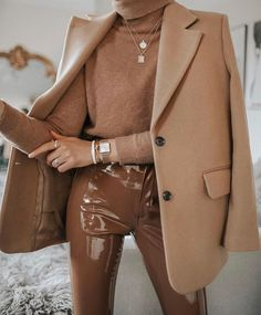Impressing Your Friends With A New Look – Fashion Trends Winter Fashion Outfits, Autumn Winter Fashion, Winter Outfits, Fashion Clothes, Style Clothes, Fashion Pants, Winter Style, Spring Outfits, Fashion Dresses