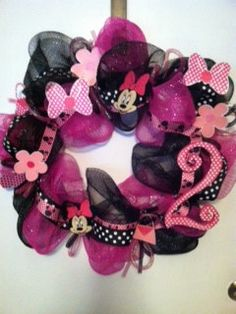 Minnie Mouse Wreath.