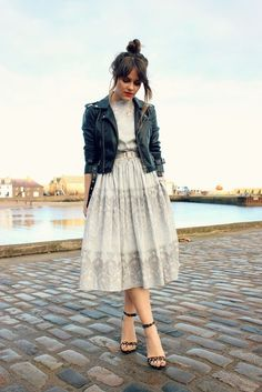 Full skirt: Classic midi dress and a lovely leather jacket looks amazing and attractive on her. Overall, she looks spectacular. Leather Jacket Dress, Leather Dresses, Moto Jacket, Leather Jackets, Look Fashion, Fashion Beauty, Autumn Fashion, Mode Chic, Mode Style