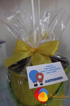 Lembrancinha do Antonio.   Créditos: Balões e filme: Balão Cultura  Gostou? Contate-nos: www.balaocultura.com.br Telefones: 11 50816916 ou 39049892  #arranjodemesa #decoraçãodeovelhinha #decoraçãodeovelha #decoraçãodeovelhanobalao #balaodecoracao #qualatex #decoraçãodiferente #decoraçãocriativa #encontraideias #mamaefesteira #balaocultura