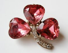 http://www.doitjewelry.com Vintage pink jeweled lucky clover rhinestone brooch pin.