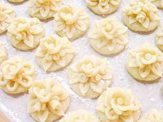 Sugar flowers Creations-Nicky Lamprinou: Γλυκές Συνταγές Λέσβου - 2 - Aμυγδαλωτά κοσμήματα