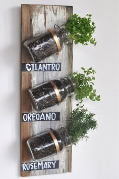 Spend a Saturday afternoon crafting your own herb wall with an old wooden board, mason jars and brass ring hangers. We love sage, rosemary and thyme… What would you plant?