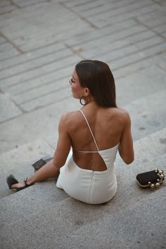 In my Choos Cute Dresses, Prom Dresses, Formal Dresses, Look Fashion, Womens Fashion, Fashion Trends, Date Night Outfit Classy, Parisienne Style, Satin Dresses