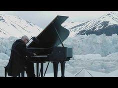 Musica per l'Artico: Ludovico Einaudi al piano fra i ghiacci - YouTube