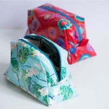 Tasche kostenloses Schnittmuster Textiles, Sunglasses Case, Upcycle, Diy And Crafts, Handbags, Sewing, Craft Rooms, Pouches, Cycling