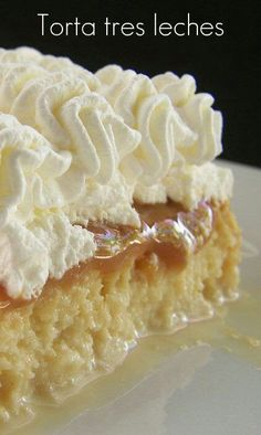 "TORTA 3 LECHES <br style=""padding-top: padding-right: padding-bottom: padding-left: margin-top: margin-right:. Baking Recipes, Cake Recipes, Dessert Recipes, Desserts, Gâteau Tres Leches, Mexican Food Recipes, Sweet Recipes, Venezuelan Food, Chilean Recipes"