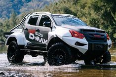 The Isuzu Concept X D-Max is based on the Isuzu D-Max pickup truck with an increased ground clearance to independent front and multi-link rear suspension, custom shock absorbers along with an approach angle and a departure angle Ford Ranger, Ford Mustang Car, Ford Mustangs, Isuzu D Max, X Picture, Mc Laren, Toyota Hilux, Pontiac Gto, Rodeo