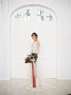 Romantic Modern Barn Wedding | Taylor Lord Photography | http://heyweddinglady.com/modern-barn-wedding-cognac-blackberry/