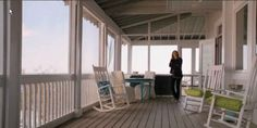 Wrap around porch - Emily's house on Revenge Hampton Beach, Style At Home, Die Hamptons, Hamptons House, Tv Show House, Porch Veranda, Porch Furniture, House With Porch, Beach House Decor