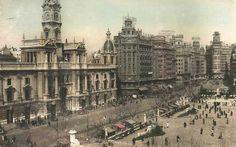 La Valencia desaparecida: Plaza del Ayuntamiento, 1950 c.a. Colección de And...