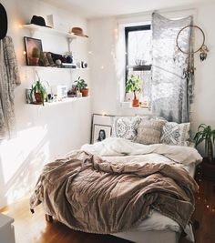 Cozy small bedroom remodel ideas on a budget (1)