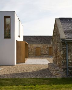 Donal Colfer Architects, Alice Clancy · Extension and Renovation of Ballymorris House. Farmhouse Architecture, Vernacular Architecture, Modern Farmhouse Exterior, Residential Architecture, Contemporary Architecture, Architecture Details, Interior Architecture, Modern Cottage, Wexford Ireland