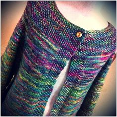 Seed Stitch Raglan Cardigan by Puppy . malabrigo Rios, Arco Iris color.