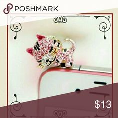 *DARLING KITTY DUST PLUG* COMING SOON!! Cute kitty cat dust plug w/dark pink rhinestone &appears 2 be laying on top of your phone. Can put a smile on your face after a long day &;fits all android phones & sum iphones. Accessories Phone Cases