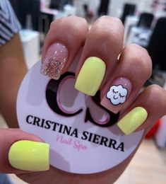 Cute Acrylic Nail Designs, Simple Acrylic Nails, Best Acrylic Nails, Edgy Nails, Cute Nails, Xmas Nails, Christmas Nails, Yellow Nails Design, Black Nails With Glitter