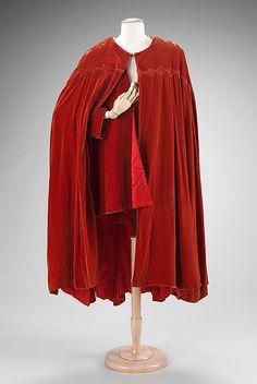 Evening cape House of Worth (French, 1858–1956) Designer: Attributed to Jean-Charles Worth (French, 1881–1962) Designer: Attributed to Roger Worth (French, born 1908) Date: 1930–40 Culture: French Medium: silk