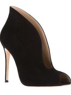 Gianvito Rossi - Women's Designer Clothing & Fashion  | FW 2014 | cynthia reccord