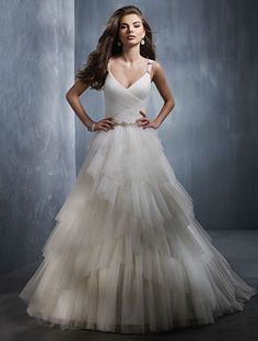 beautiful wedding dress, I love!!