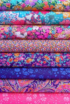 Liberty Fabrics - The Classics at Materialise now - i need to make a quilt outa these