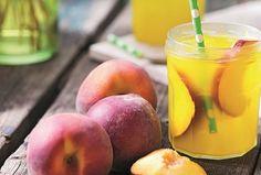 Domácí broskvová limonáda s  melounem Peach, Fruit, Food, Essen, Peaches, Meals, Yemek, Eten