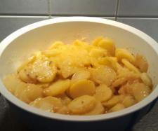 Rezept Kartoffelsalat, kinderleicht ohne Vorkochen von amfo - Rezept der Kategorie Vorspeisen/Salate