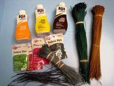 How to dye pine needles ~ Featuring Miriam Joy Rope Basket, Basket Weaving, Farm Crafts, Diy And Crafts, Pine Needle Crafts, Rope Rug, Willow Weaving, Book Baskets, Pine Needle Baskets