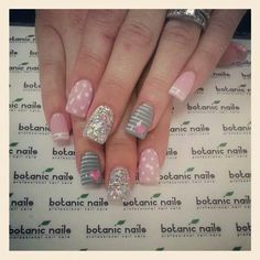 Botanic nails pink, gray, lines, glitter – Watch out Ladies Shellac Nails, Pink Nails, Stiletto Nails, Acrylic Nails, Glitter Nails, Botanic Nails, Super Nails, Accent Nails, Creative Nails