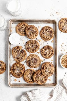 The BEST Chocolate Chip Walnut Cookies recipe that you'll ever try is super simple to make and so delicious. The cookies have chewy centers with slightly crisp edges and are loaded with chocolate and walnuts. #chocolatechipwalnutcookies #chocolatechipcookies #cookierecipes #chocolatecookies #walnutcookies #bakedambrosia | bakedambrosia.com Walnut Cookie Recipes, Delicious Cookie Recipes, Best Cookie Recipes, Baking Recipes, Dessert Recipes, Baking Ideas, Easy Recipes, Chocolate Chip Walnut Cookies, Dark Chocolate Chips