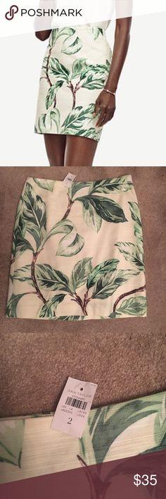 Ann Taylor Leafy Skirt cute Ann Taylor midi skirt with tropical green leaves Ann Taylor Skirts Midi