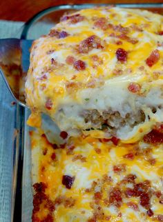 Cheese on half for Brian, gluten free crumbs and egg substitute***Loaded Potato Meatloaf Casserole Recipe. Delicious meatloaf topped with garlicky mashed potatoes, melted cheese and bacon. Meatloaf Casserole Recipe, Casserole Dishes, Steak Casserole, Hamburger Casserole, Cheeseburger Casserole, Bacon Casserole Recipes, Loaded Mashed Potato Casserole, Chicken Casserole, Gourmet