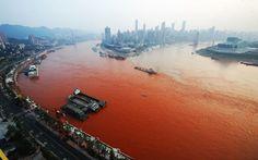 When the Yangtze River turned red. China Foto Press / Barcroft Media