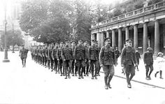 Soldiers marching past the Pump Rooms 1900