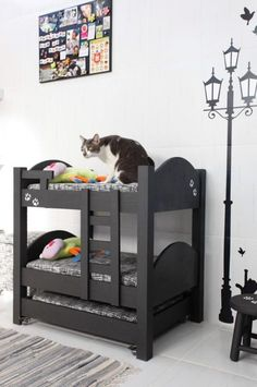 two-story bed for cats Cat Bunk Beds, Pet Beds, Dog Bed, Diy Pour Chien, Animal Room, Cat Condo, Cat Room, Pet Furniture, Cat Accessories