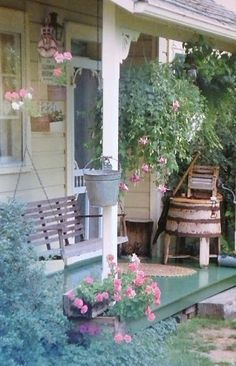 Rustic farmhouse Love the chippy Shabby chic pink ringer washer!