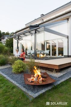 Solarlux glass canopies - enjoy your garden all year round. Be outdoors with no boundaries and transform your patio into your new oasis of well-being. Back Gardens, Outdoor Gardens, Hydrangea Care, Backyard Makeover, Real Plants, Outdoor Living, Outdoor Decor, Land Scape, Backyard Landscaping