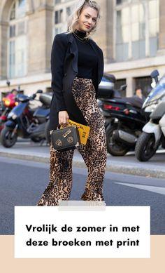 Waar de ene vrouw het liefst haar blote benen showt, kan de andere vrouw hier wat meer moeite mee hebben. Gelukkig is er een item waar jij de eerste zomerse dagen on trend in kan doorbrengen,  We zetten vandaag de mooiste broeken met print in het zonnetje.   Lente | Zomer | Fashion | Mode | Streetstyle Trends | 2020 | Fashion Week | Look | Outfit | Print | Broeken | Prints | Vrolijke | Dragen | Combineren | Stylen | Stijlen | Tips | Shoppen | Online Shoppen | Inspiratie | Meer Op…