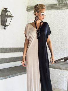 Black & Beige Colorblock Maxi Dress / Black by SynthiaCouture