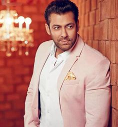 Salman Khan: She doesn't like me, her dog doesn't like me and her family comes a lot later #FansnStars