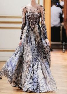 Front tree dress