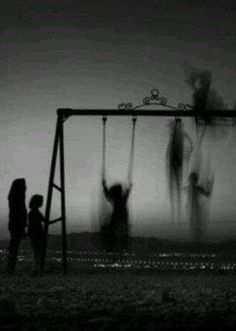 Some Weird Images i like how this shows past and how people grow up and disappear from these childho Creepy Images, Creepy Pictures, Dark Pictures, Dark Images, Horror Photography, Dark Photography, Memento Mori Photography, Black And White Aesthetic, Creepy Art