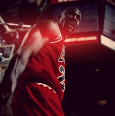 Michael Jordan my idol! Michael Jordan Basketball, Jordan 23, Nba Players, Basketball Players, Michael Jordan Photos, Nba Europe, Baskets, Jeffrey Jordan, Jordan Bulls