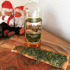 Making gravlax for Christmas!  A traditional Norwegian dish made of raw salmon cured in salt sugar and dill! I added mustard seeds and Aquavit for a Christmassy taste! #christmas #paleo #healthyfood #traditional #salmon #paleonorge av lykkemat_blogg_no http://ift.tt/1S8tw2b