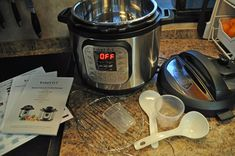 This Instant Pot Pressure Cooker is a kitchen necessity. #pressurecooker #pressurecookerreviews Programmable Electric Pressure Cooker Review