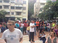 Motorizados oficialistas trataron de impedir acto opositor en Las Palmas - http://www.notiexpresscolor.com/2016/10/10/motorizados-oficialistas-trataron-de-impedir-acto-opositor-en-las-palmas/