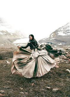 """Glacial Glamour"" from Flare Magazine, December Photographer Chris Nicholls and model Hyoni Kang Foto Fashion, Fashion Shoot, Editorial Fashion, Fashion Art, High Fashion, Tribal Fashion, Japan Fashion, Editorial Design, Style Fashion"