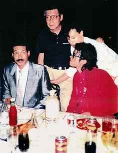 1987年9月29日23時ごろ、TDLのブルーバイユー・レストランにて 食事中のマイケルは、ジャニーズTOPアイドル・少年隊ヒガシの訪問を受ける